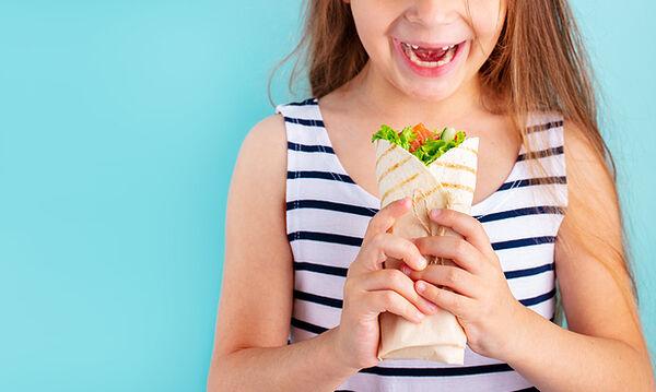 Τι μπορείτε να βάλετε μέσα στην αραβική πίτα του παιδιού σας - 5 συνταγές