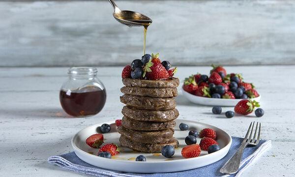 Τα πιο υγιεινά pancakes με 3 μόνο υλικά - Μία συνταγή του Άκη Πετρετζίκη