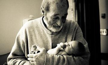 Όταν η γιαγιά και ο παππούς βλέπουν για πρώτη φορά το εγγόνι τους