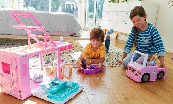Η Barbie «μαθαίνει» την ενσυναίσθηση στα παιδιά – Τι έδειξε μεγάλη επιστημονική μελέτη