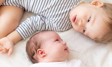 Μαθήματα Ζωής: Το παιδί μου ζηλεύει το νεογέννητο αδελφάκι του!