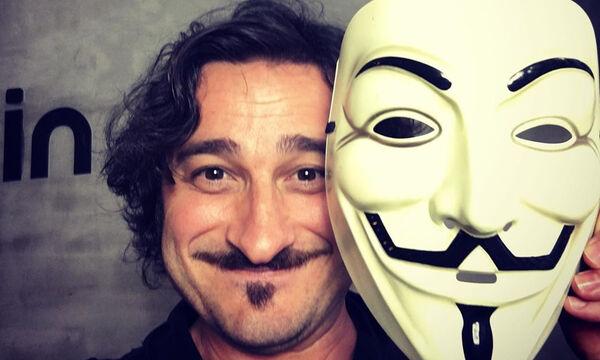 Βασίλης Χαραλαμπόπουλος: Η απίθανη φωτογραφία από τη βρεφική του ηλικία
