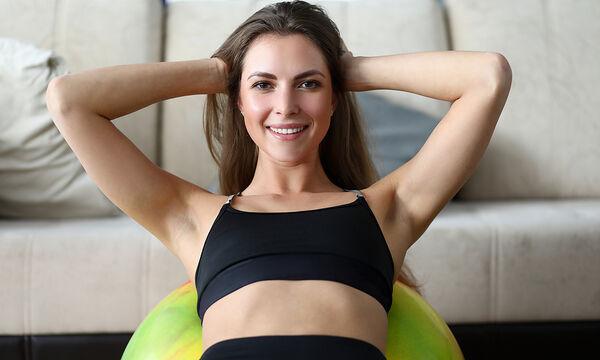 Γυμναστική στο σπίτι: 5λεπτο πρόγραμμα ασκήσεων για όλο το σώμα (vid)
