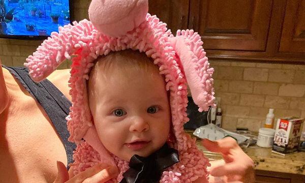 Αυτό το πανέμορφο μωρό είναι κόρη γνωστής ηθοποιού (pics)