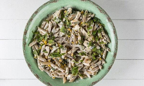 Πένες με κοτόπουλο: Ένα νόστιμο και υγιεινό πιάτο από τον Άκη Πετρετζίκη
