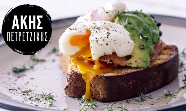 Η συνταγή του Άκη για ποσέ αβγά - Το μυστικό της επιτυχίας