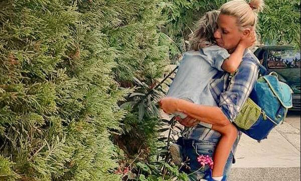 Κατερίνα Καραβάτου: Ο γιος της δεν ήθελε να φωτογραφηθεί και να τι έκανε