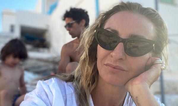 Ρούλα Ρέβη: Δείτε πώς φωτογράφισε την κόρη της στην Ακρόπολη