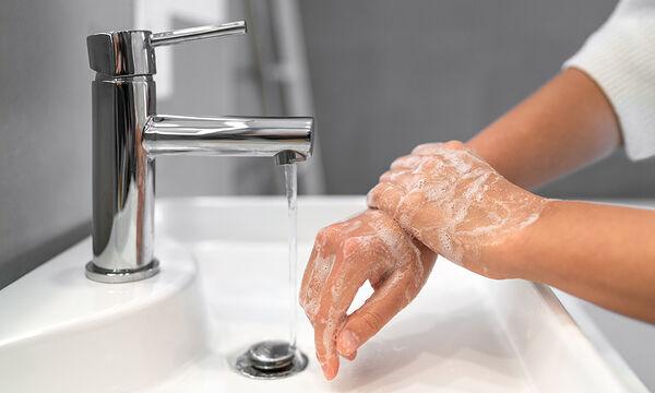 Βούλωσε ο νεροχύτης ή ο νιπτήρας; Αυτό το tip θα σας λύσει τα χέρια