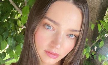Δοκιμάστε τη βραδινή ρουτίνα ομορφιάς της Mirand Kerr για λαμπερό πρόσωπο