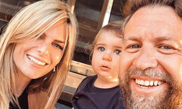 Γιάννης Βαρδής: Είναι στο σπίτι με τα παιδιά και γίνεται χαμός