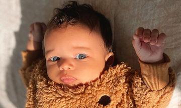 Μοντέλο από κούνια: Το πανέμορφο μωρό με τους χιλιάδες followers