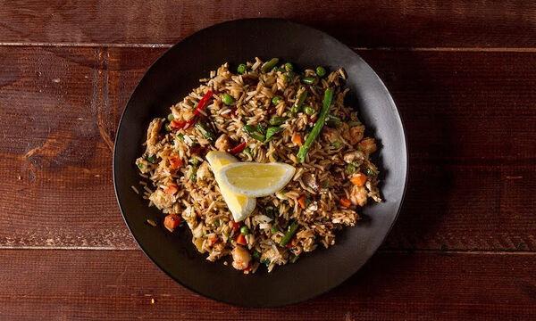 Κινέζικο ρύζι με λαχανικά - Δείτε πώς θα το φτιάξετε