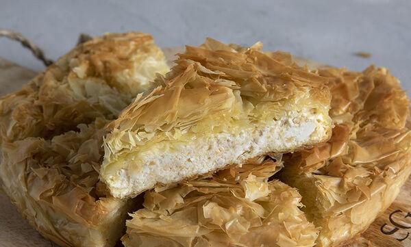 Η συνταγή του Άκη για τραγανή και πεντανόστιμη πατσαβουρόπιτα