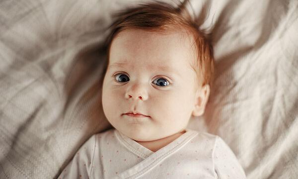 Πότε μπορούν τα μωρά να δουν καθαρά; Τα 5 στάδια ανάπτυξης της όρασής τους