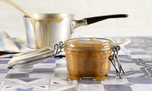 Σάλτσα καραμέλας με 3 υλικά από τον Άκη Πετρετζίκη