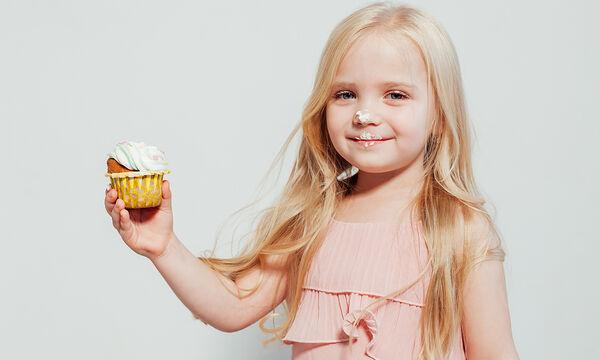 Υγιεινά cupcakes αβοκάντο με αμύγδαλα (vid)