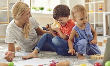 Εννέα διασκεδαστικά παιχνίδια που μπορούν να παίξουν τα παιδιά στο σπίτι