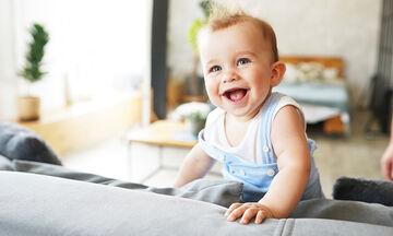Πώς να βοηθήσουμε το μωρό να επικοινωνεί μαζί μας