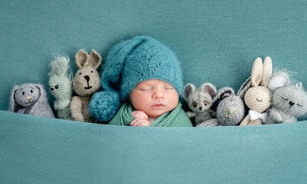 Τι είδους παιχνίδια να διαλέξω για ένα νεογέννητο μωρό;