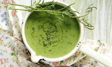 Θρεπτική σούπα με αρακά για παιδιά και όχι μόνο από τον Άκη Πετρετζίκη