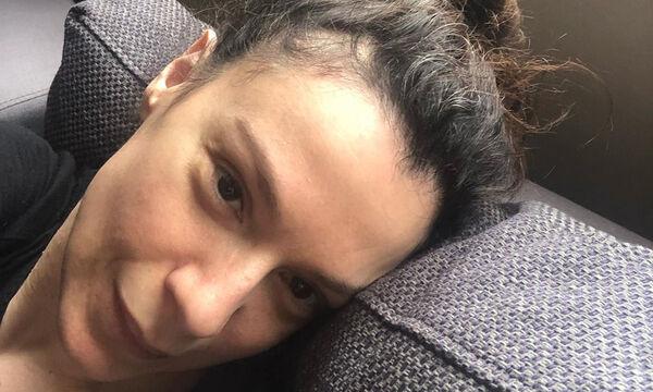 Πέγκυ Τρικαλιώτη: Φωτογραφίζει την κόρη της την ώρα που ακούει Κάλλας