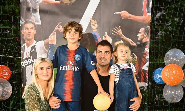 Χανταμπάκης - Πηλιάκη: Φώτο και βίντεο από το πάρτι γενεθλίων του γιου τους