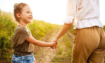 Οκτώ απλοί τρόποι να δείξετε στο παιδί την αγάπη σας