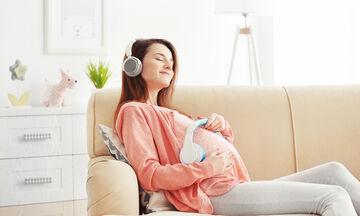 Μουσική στην εγκυμοσύνη: Η επίδρασή της στο έμβρυο μέσα στη μήτρα