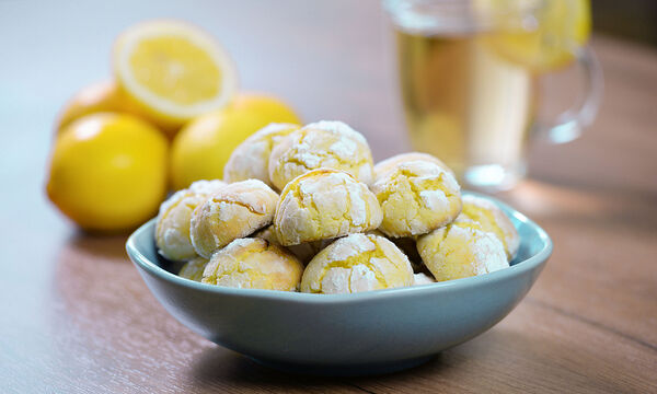 Μαλακά μπισκότα λεμονιού - Θα ξετρελαθείτε από τη γεύση τους (vid)