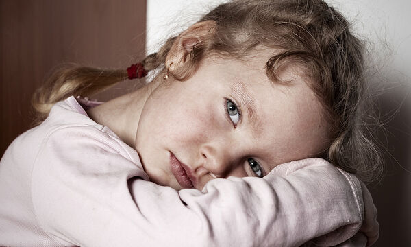 Παιδική κακοποίηση: Έχει πολλές μορφές & επιδρά στη συμπεριφορά του παιδιού