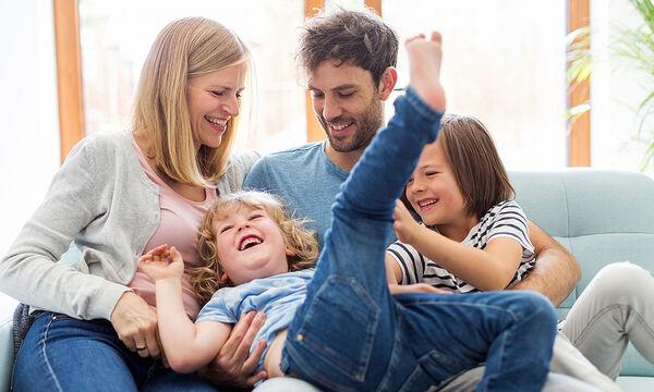 Δέκα φιλοφρονήσεις που θέλουν να ακούνε τα παιδιά από τους γονείς τους