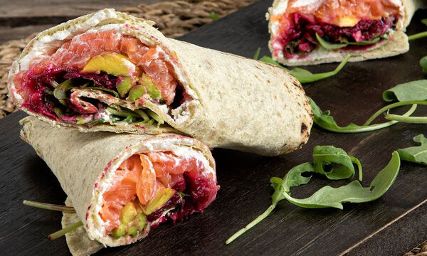 Wrap με αβοκάντο και σολομό - Ιδανικό και για κολατσιό