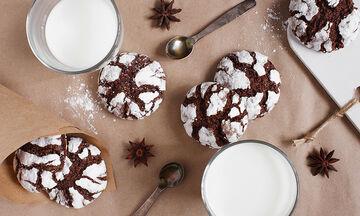 Ραγισμένα σοκολατένια μπισκότα (vid)