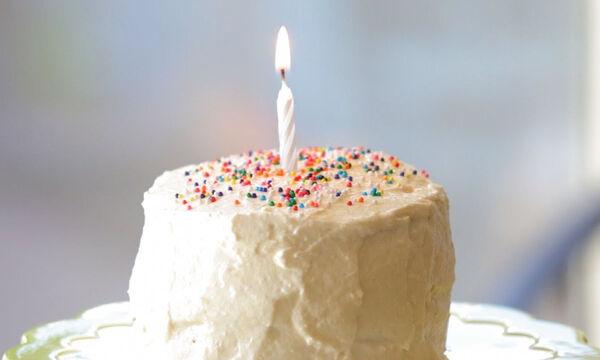 Baby-friendly τούρτα με μήλο και μπανάνα για τα πρώτα γενέθλια του μωρού