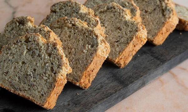 Σπιτικό πολύσπορο ψωμί σε λιγότερο από μία ώρα