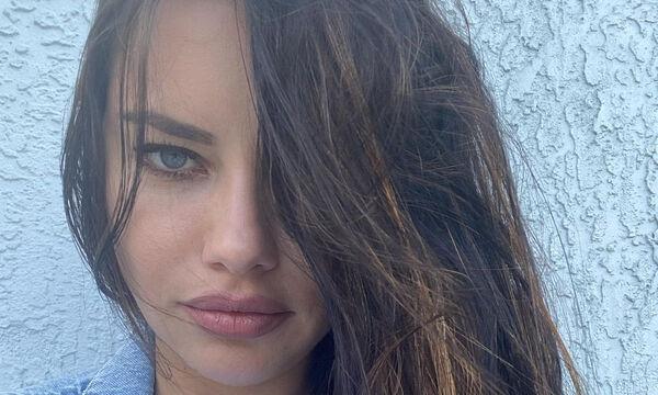 Adriana Lima: Η διάσημη μαμά αποκαλύπτει το μυστικό της για λαμπερά μαλλιά