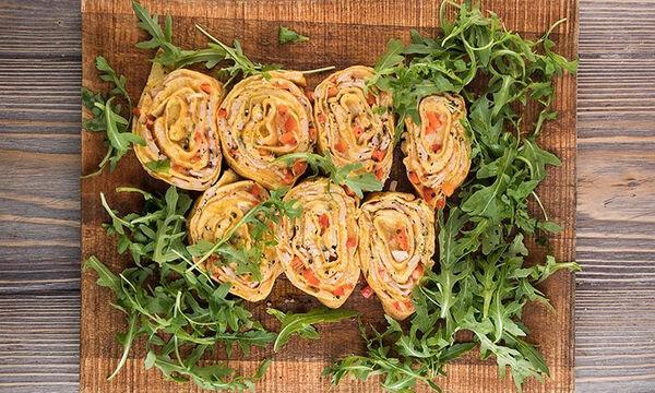 Τυλιχτή ομελέτα με τυρί και γαλοπούλα - Θρεπτικό πρωινό σε είκοσι λεπτά