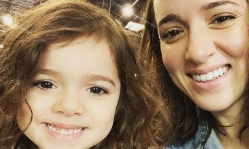 Καλομοίρα: Η κόρη της κάνει…πασαρέλα φορώντας τα παπούτσια της