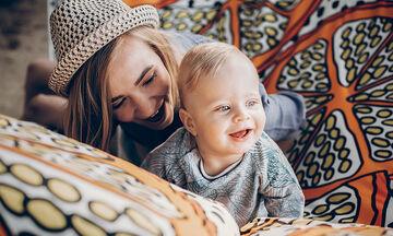 Το νέο challenge με γονείς και μωρά που κάνει θραύση στο TikTok (vids)
