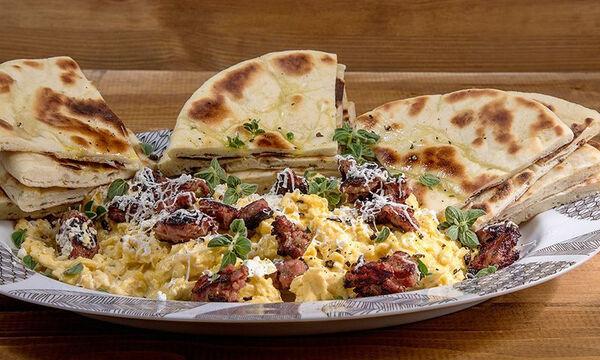 Scrambled eggs αλά Ελληνικά - Θρεπτικό πρωινό σε 15 λεπτά
