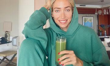 Green detox smoothie: Αν πίνεις αυτόν το χυμό δε θα πάρεις ούτε γραμμάριο μέσα στην καραντίνα