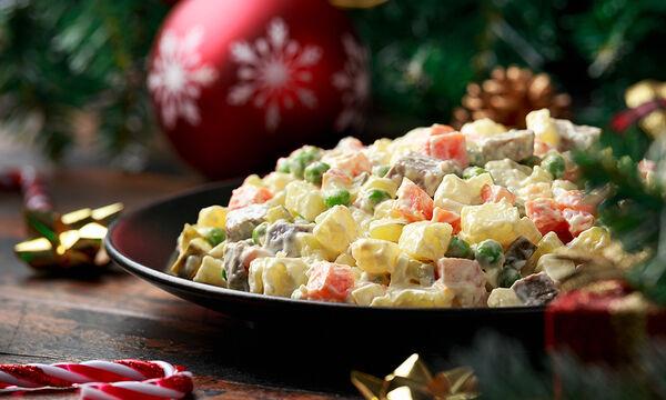 Επτά νόστιμες σαλάτες για το γιορτινό τραπέζι (vid)