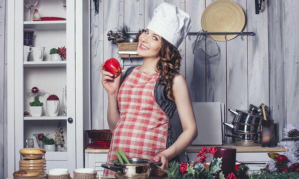Είστε έγκυος; Δείτε τι μπορείτε να φάτε την Πρωτοχρονιά