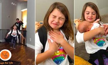 Ξεκαρδιστικές αντιδράσεις παιδιών όταν βλέπουν το νεογέννητο αδερφάκι τους
