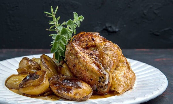 Ζουμερό κοτόπουλο με μαύρη μπίρα στον φούρνο - Δοκιμάστε αυτή τη συνταγή