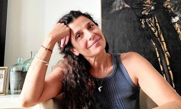 Πόπη Τσαπανίδου: Μας δείχνει τις κόρες της πώς ήταν πριν 25 χρόνια