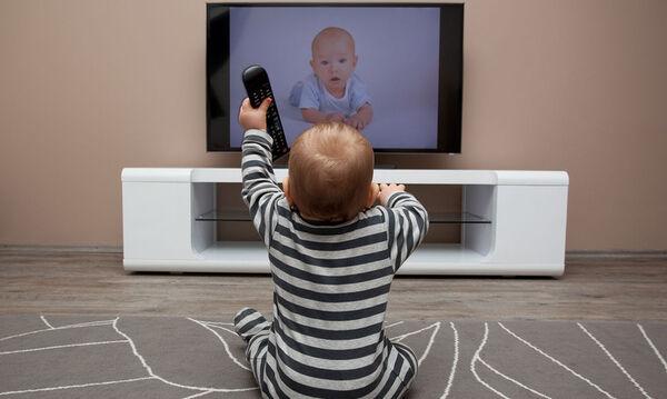 Μήπως το παιδί σας βλέπει πολλές ώρες τηλεόραση;