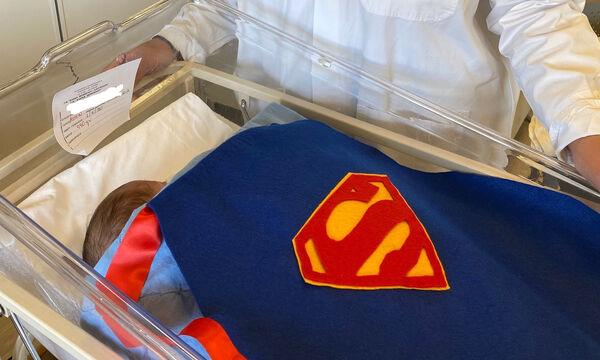 Αυτοί είναι οι ήρωες της ζωής:Πρόωρα μωράκια φορούν μπέρτες των superheroes