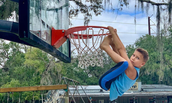 Zeke Vozniak: Το παιδί φαινόμενο στο μπάσκετ (vids)
